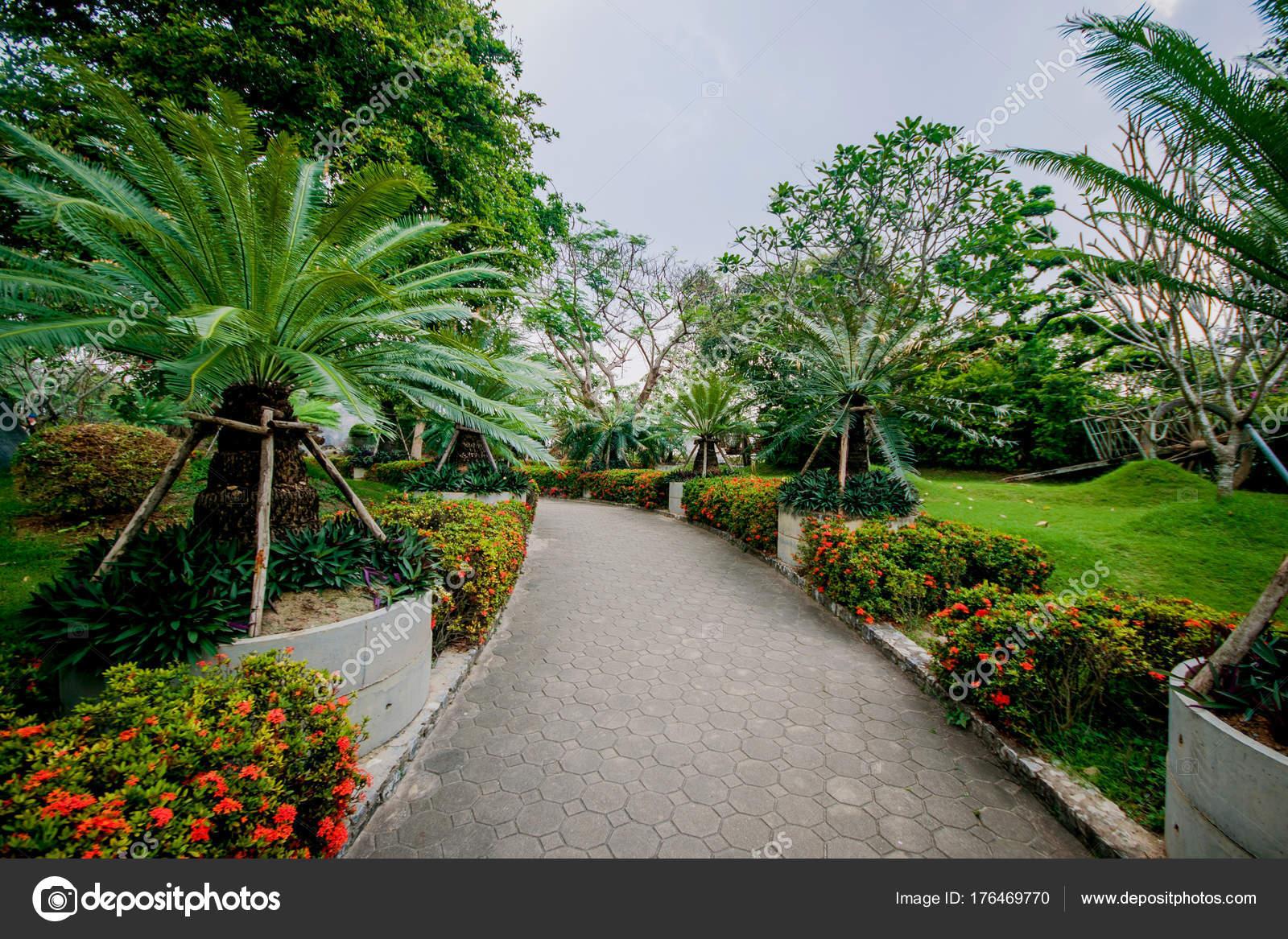 Hermoso paisaje asi tico arquitectura tradicional dise o - Diseno de jardines fotos ...