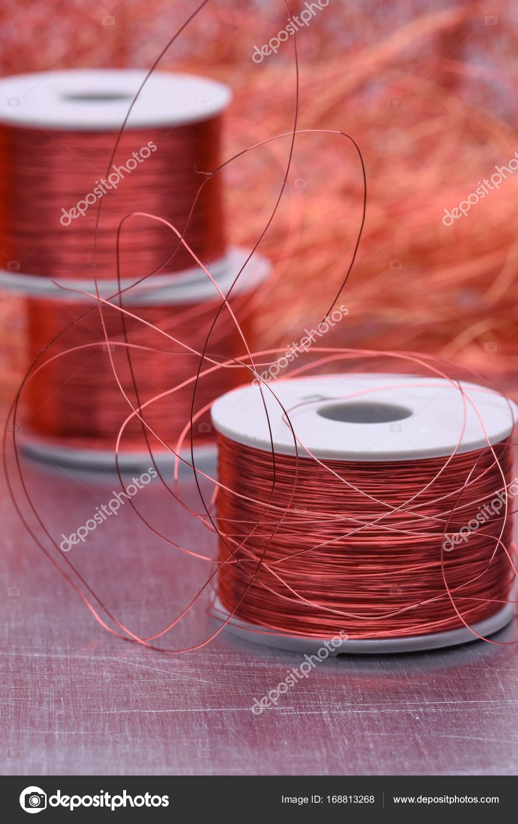 Elektrische Kupferspirale und Draht — Stockfoto © Zetor2010 #168813268