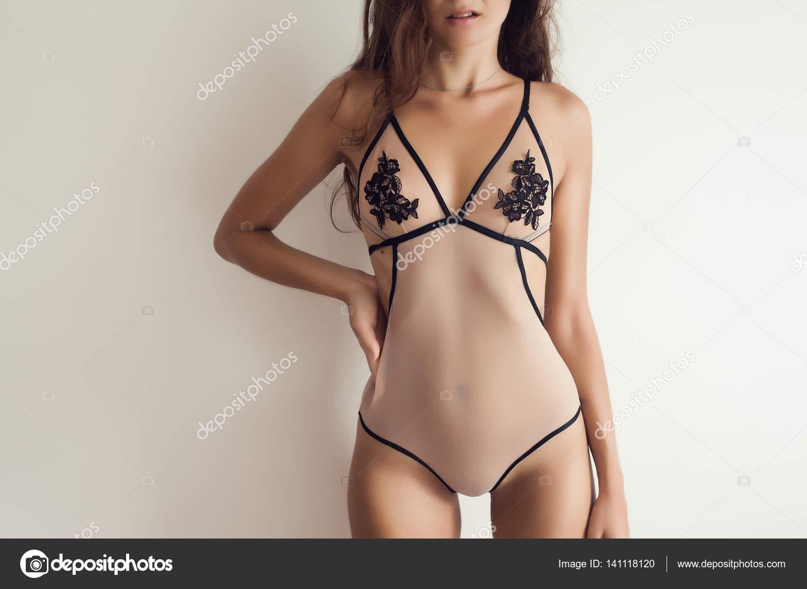 Modelos colombianas en ropa interior transparente fotos