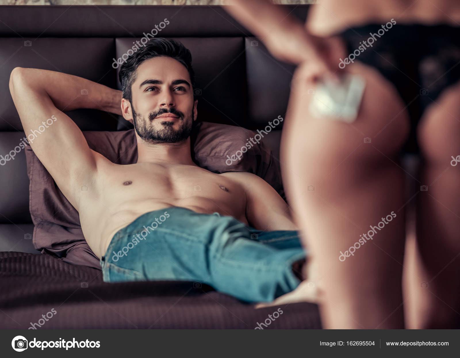 Чоловик з чолов ком займаються сексом