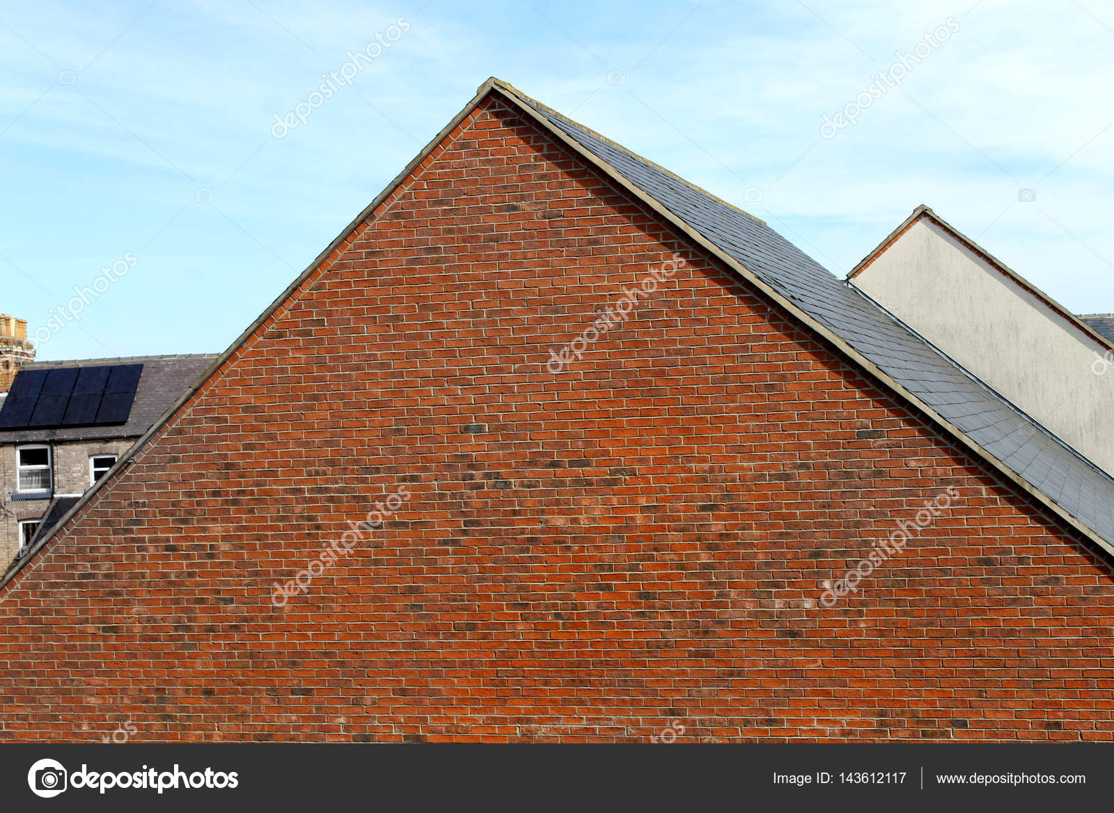 Dächer von modernen Häusern — Stockfoto © speedfighter17 #143612117