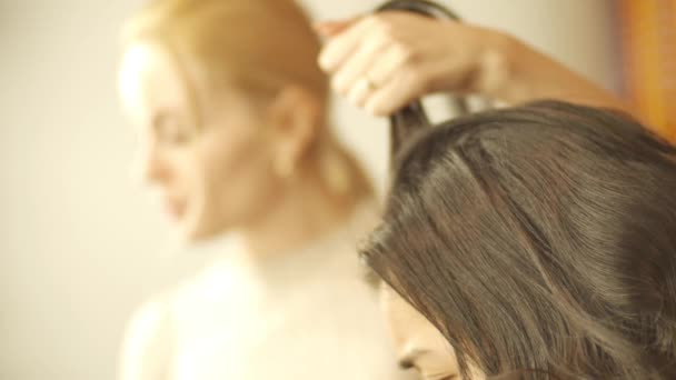 Peinado Peluqueros Manos Para Trabajar Con Laca En El Pelo De
