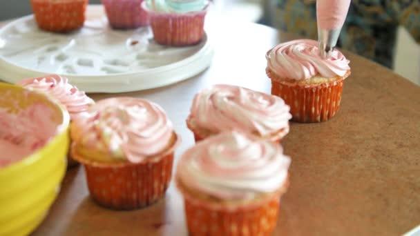 Tasse Kuchen Mit Sahne Verzieren Verwenden Kochen Beutel Konditor