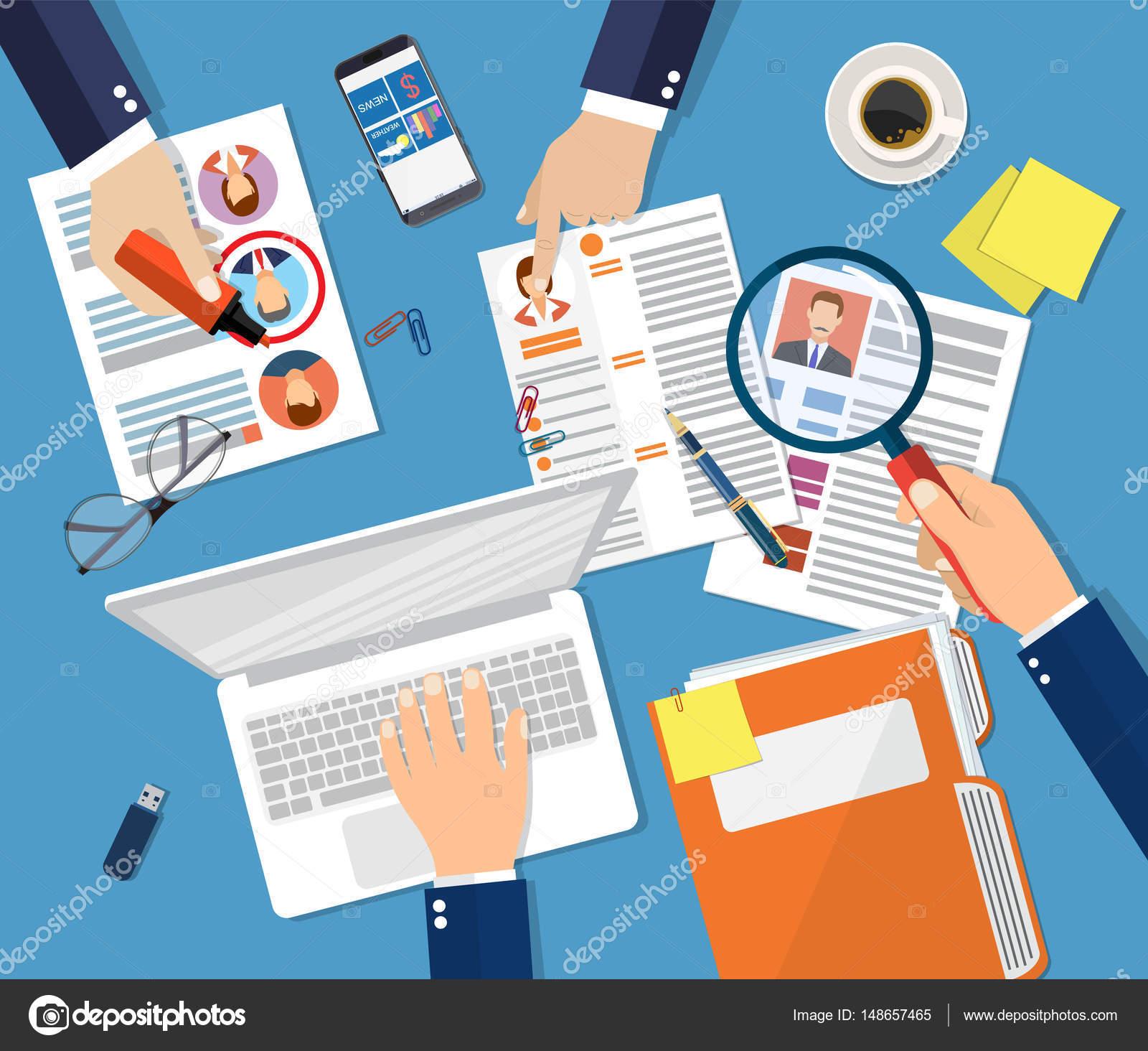 0b8523ec2da Concepto de gestión de recursos humanos, búsqueda de personal profesional,  trabajo, hq, difícil elección entre tres personas, reanudar en el  escritorio, ...