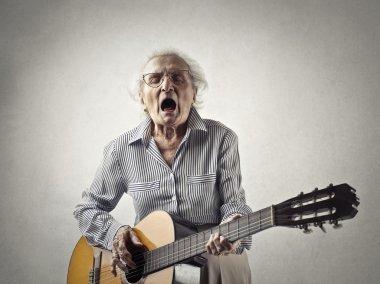 everyoung women sings