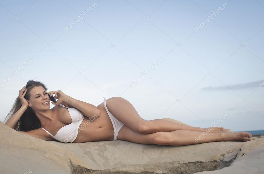 phoening woman in bikini