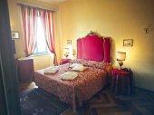 Luxus bútorok elegáns hálószoba.