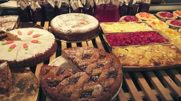 Családi házak és villák-nak Eladó a pékség friss sütemények