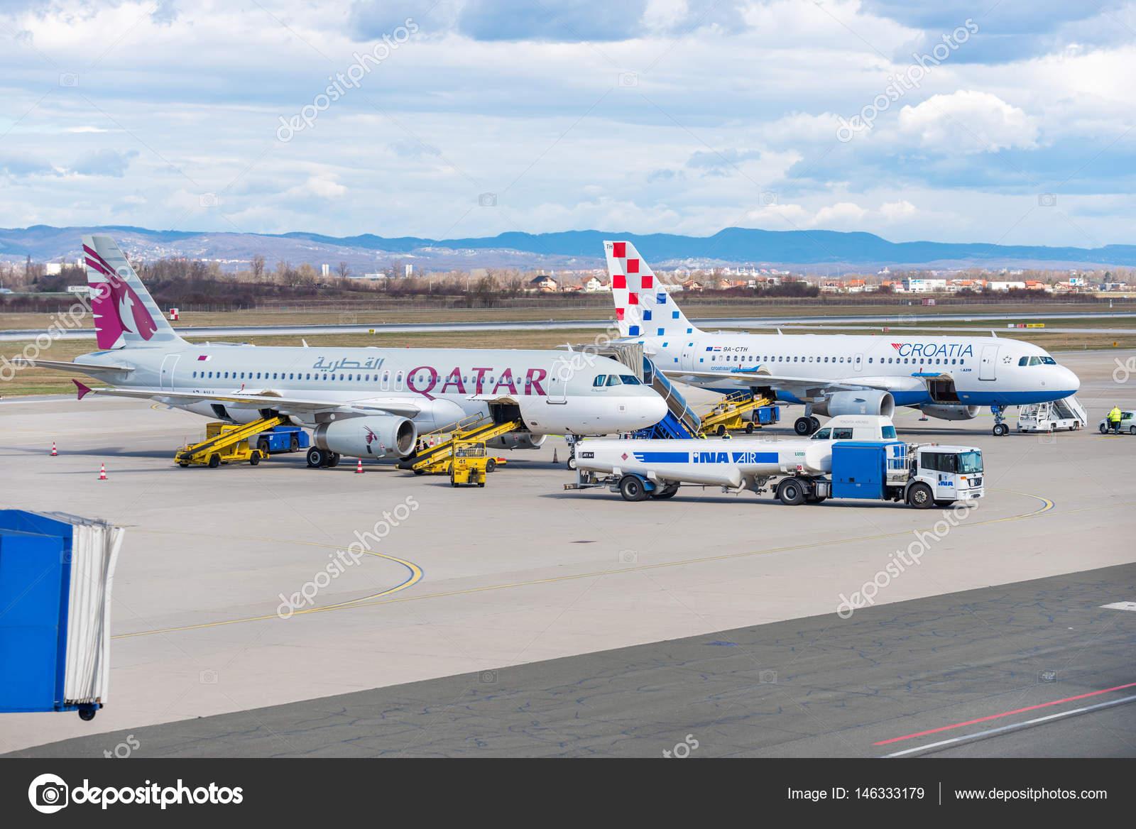 en soldes 03d44 a6955 Qatar Airways et Croatie Airlines Airbus sur tablier pendant ...