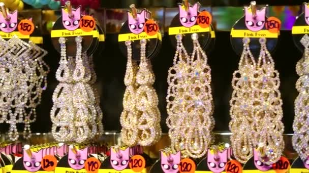 Šperky trh s náušnice a krásná bižuterie. 3840 x 2160