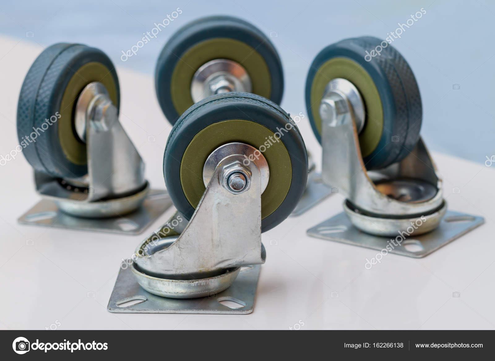 Wielen Voor Meubels : Rubberen wielen voor meubels u2014 stockfoto © ra3rn #162266138