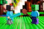 LEGO Minecraft. Steve boj zombie