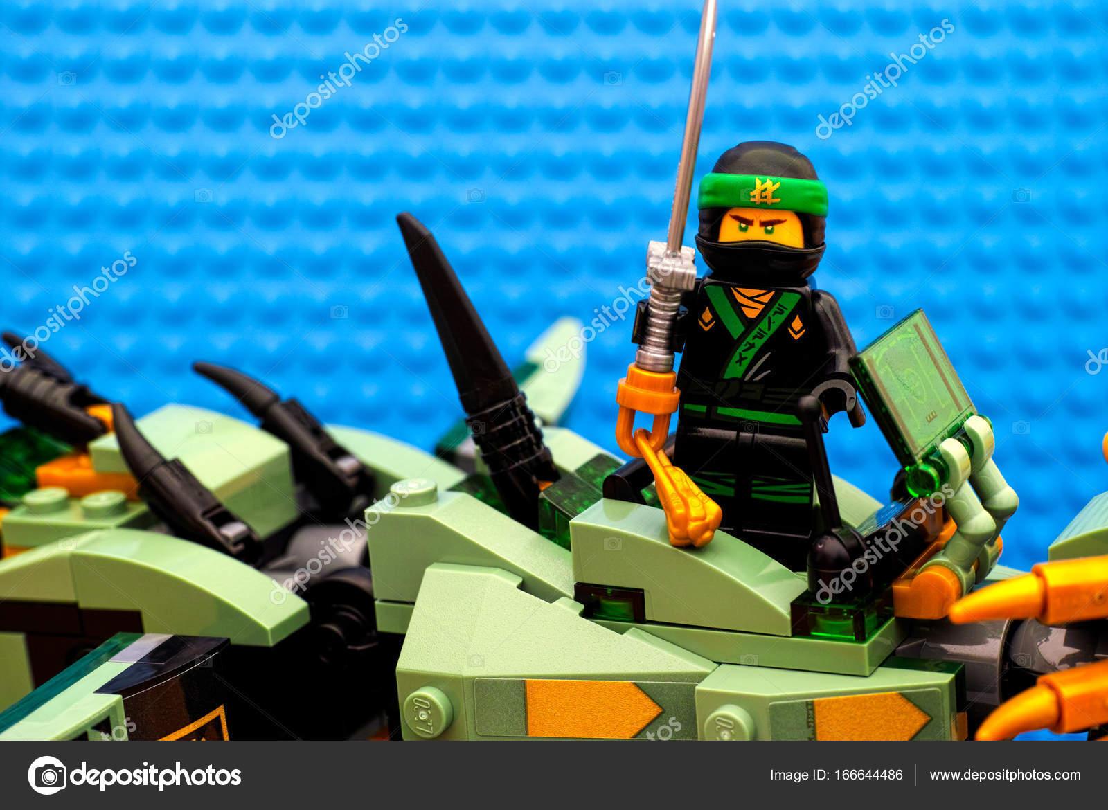 Lego Green MovieThe Ninjago Standing Ninja Mech On zMVGSUqp