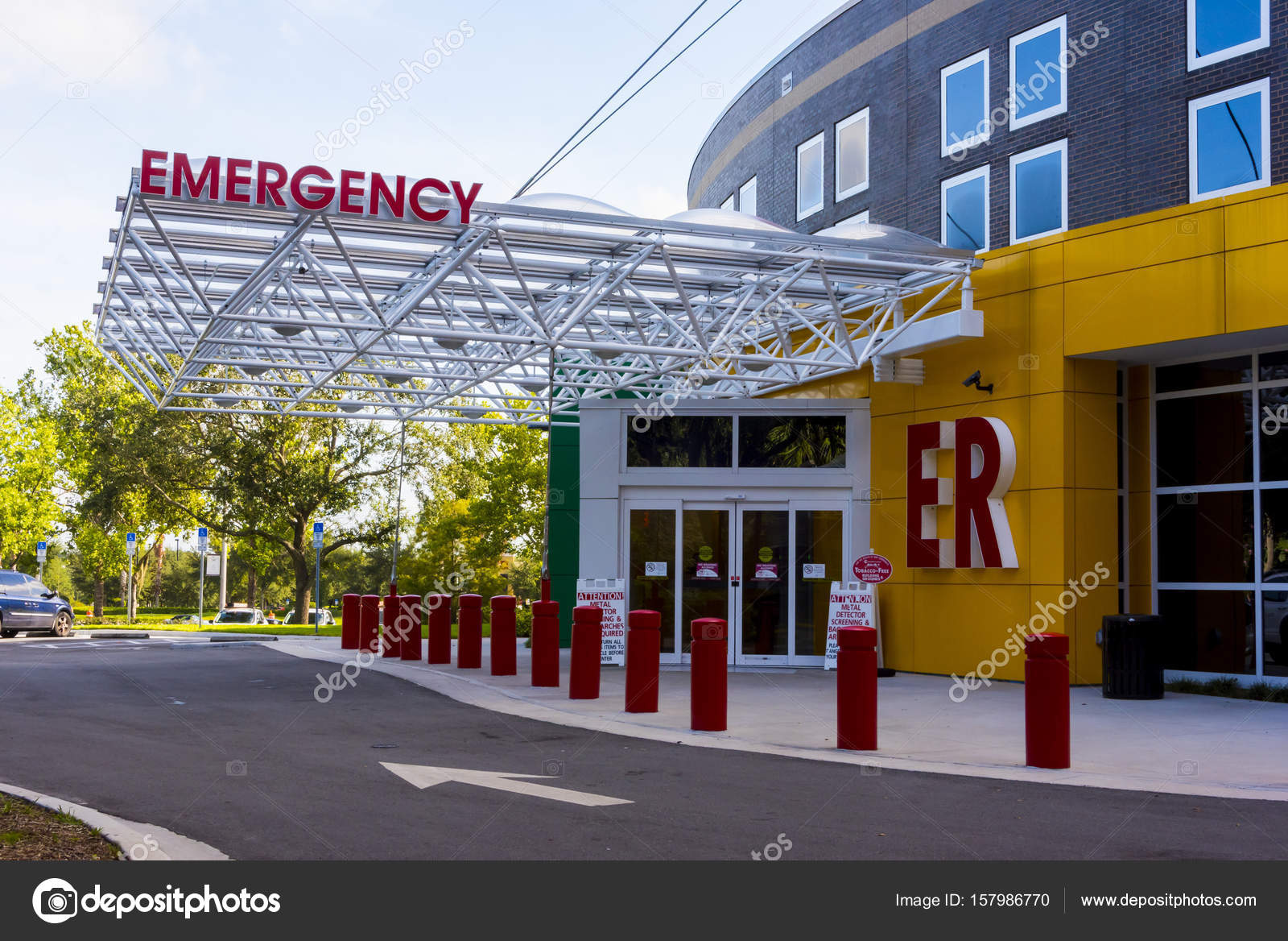 Big red letters to er letters stock editorial photo jcpjr1111 hospital emergency entrance with big red letters photo by jcpjr1111 altavistaventures Gallery