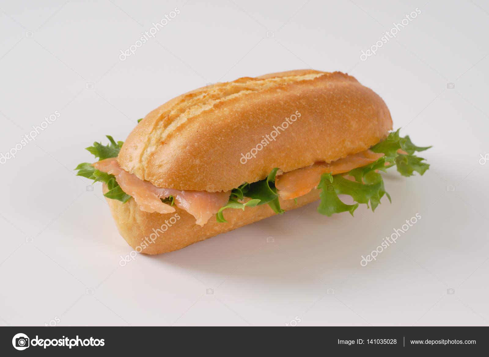 sandwich au saumon fum photographie ajafoto 141035028. Black Bedroom Furniture Sets. Home Design Ideas