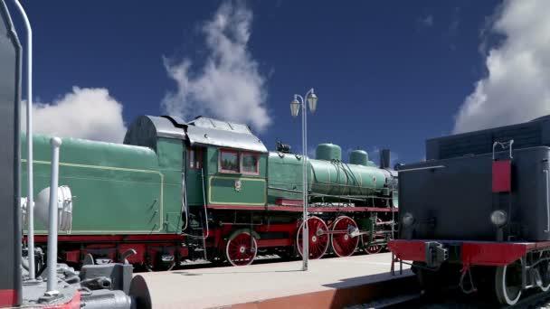 Staré parní lokomotivy, moskevské muzeum železnice v Rusku, Rizhsky železniční stanici (stanice Rižskij vokzal, nádraží v Rize)