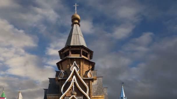 Kostel svatého Mikuláše v Izmailovsky Kremlin (Kremlin v Izmailovo), Moskva, Rusko. Nový kostel, postavený v tradicích ruské dřevěné architektury