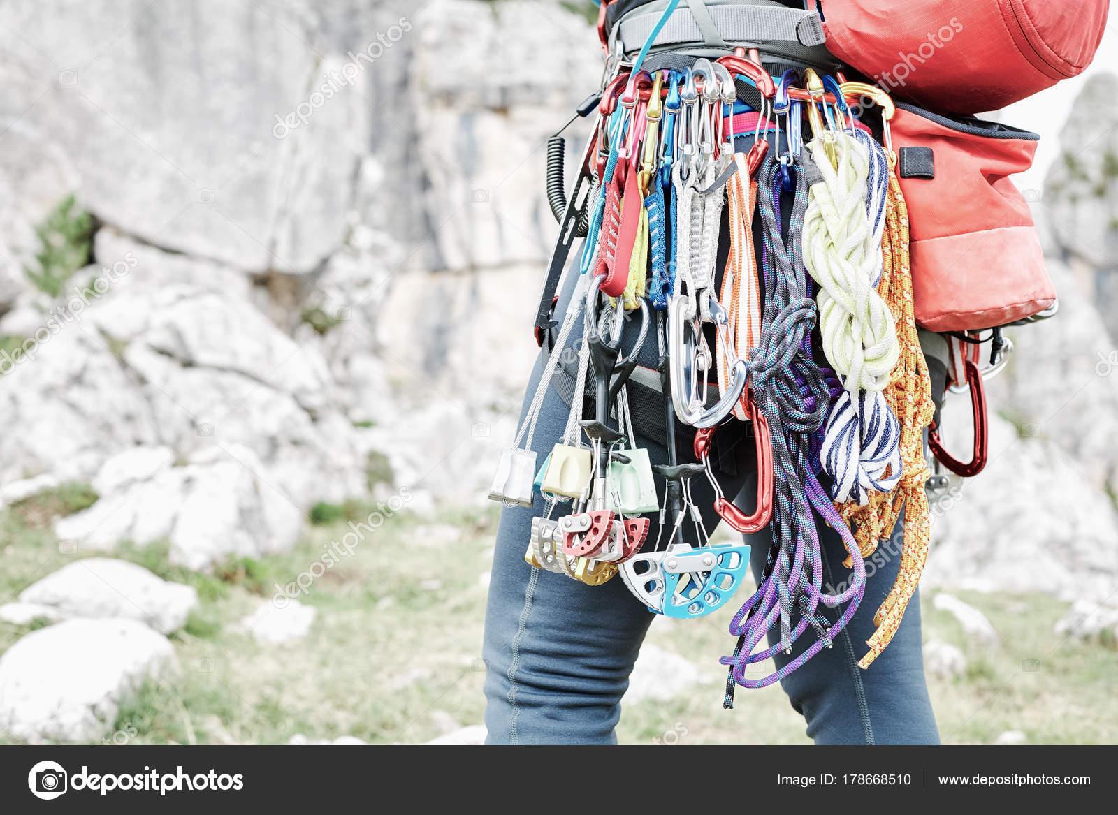 Rucksack Kletterausrüstung : Trad kletterausrüstung rack nahe bis u stockfoto furtaev