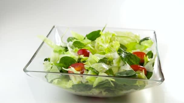 Příprava čerstvého ceasar salát