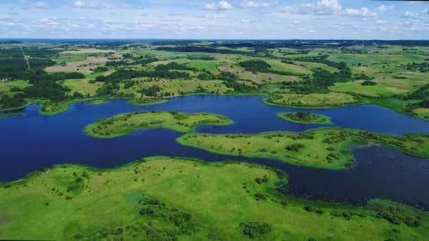 Přelet nad jezera a louky pozemek