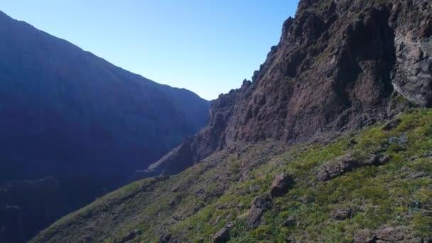 Drohnenflug über Hochgebirge