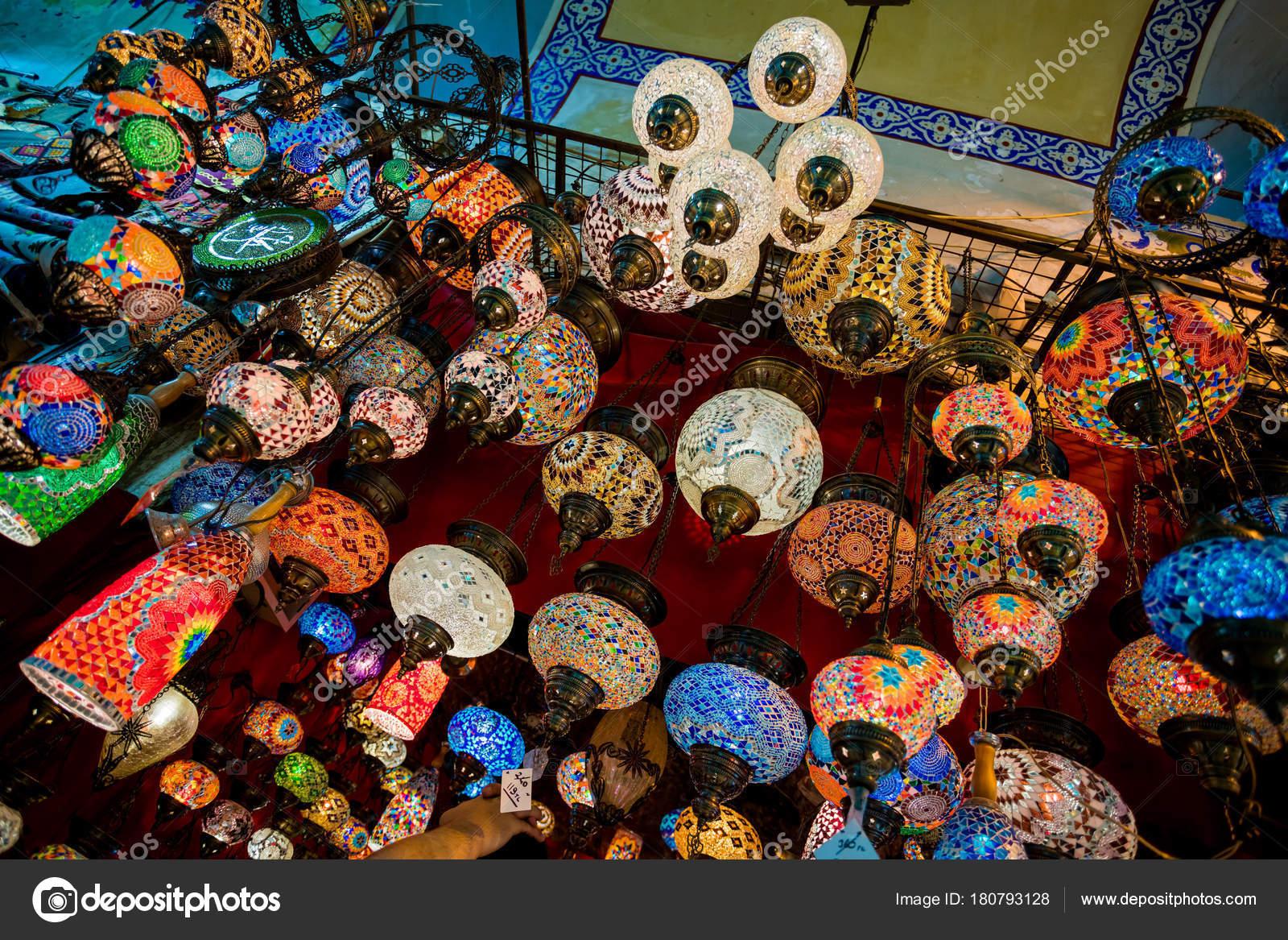 Lampade Orientali In Un Bazar Lampade Tradizionali Fatti A Mano In