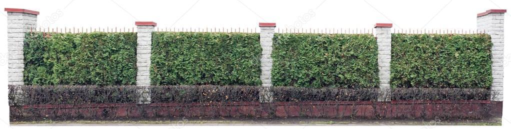 langen zaun mit s ulen aus wei en steinen stockfoto vilaxlt 130069866. Black Bedroom Furniture Sets. Home Design Ideas