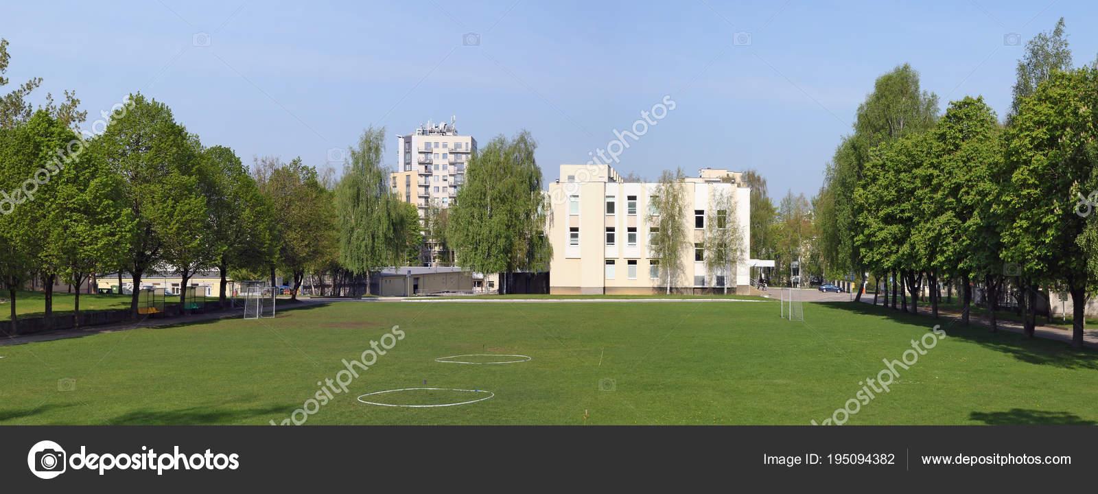 bfdc758ac ... de maio de 2018  Gramado e futebol campo verde no território dos nomes  Lituano academia militar do General Jono Zemaicio. A Academia foi fundada  em 1992 ...