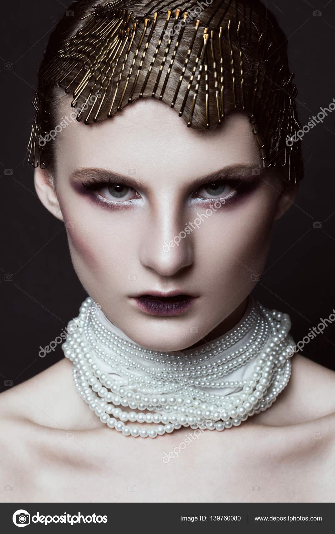 Beaute Maquillage Avec Perles Coiffure Glamour Photographie