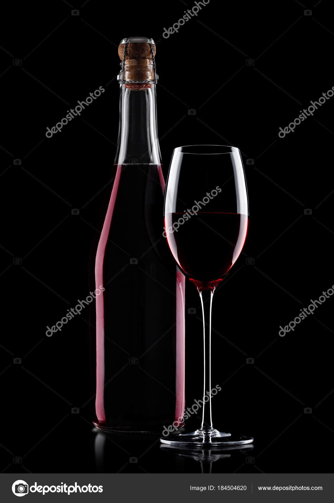Ev Yapımı Kırmızı şarap Ve Mantar Ile Cam şişe Stok Foto