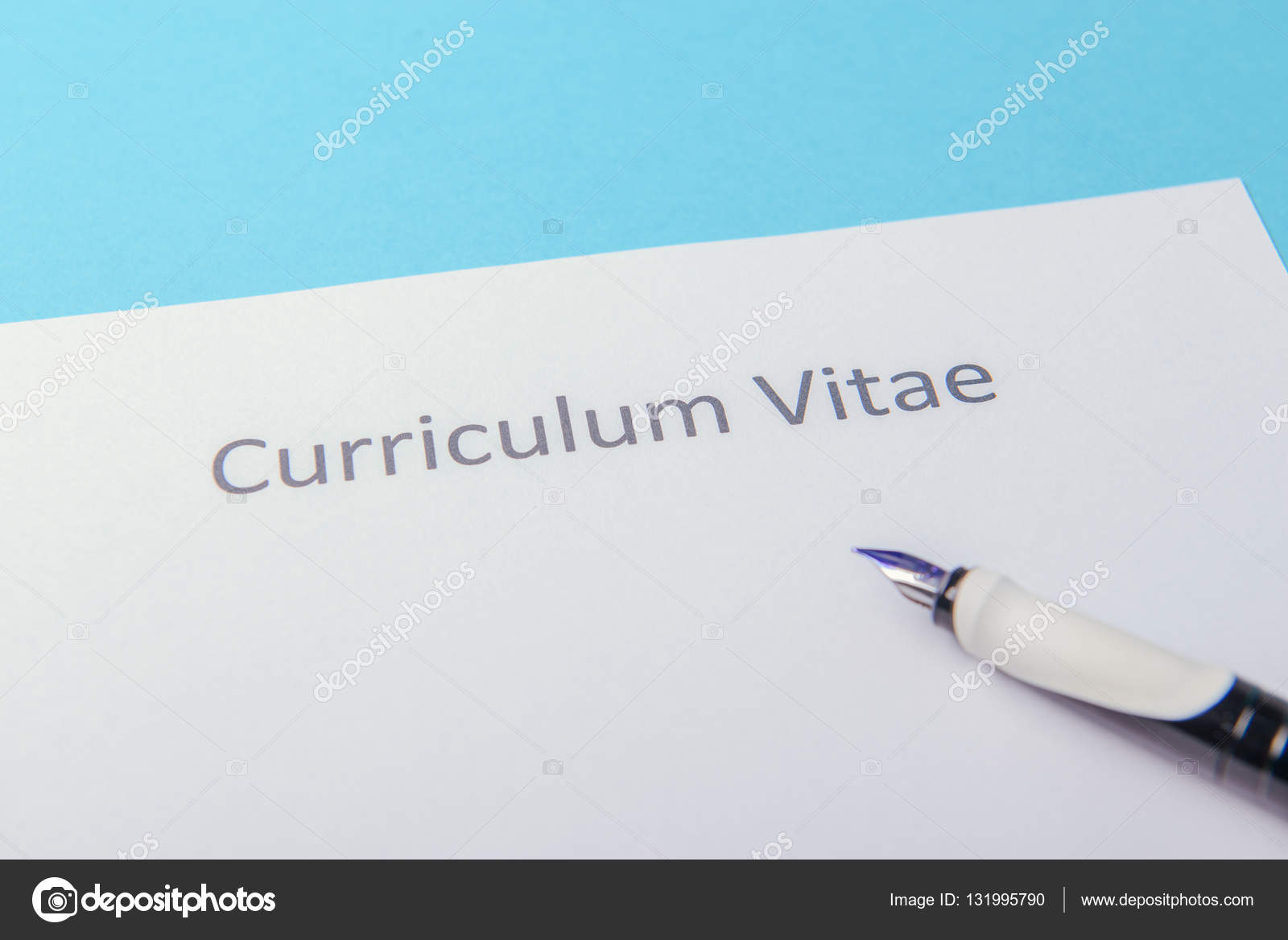 Curriculum vitae, escrito en un papel blanco en blanco — Foto de ...