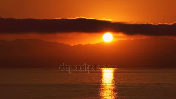 Schöne Berg Sonnenuntergang in Korfu, Griechenland