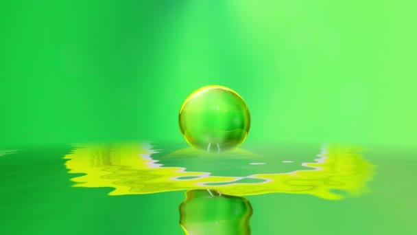Gocciolina - superficie dellacqua