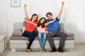 Raising karját család
