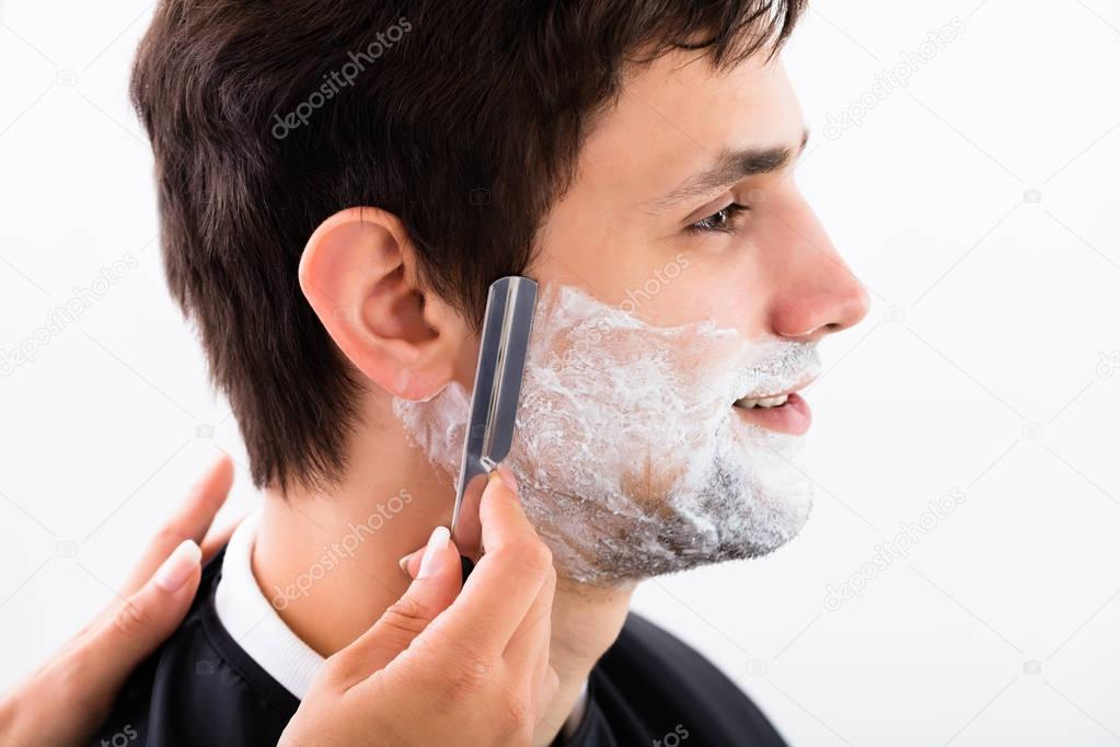 barbe salon de coiffure rasage homme photographie andreypopov 130218612. Black Bedroom Furniture Sets. Home Design Ideas
