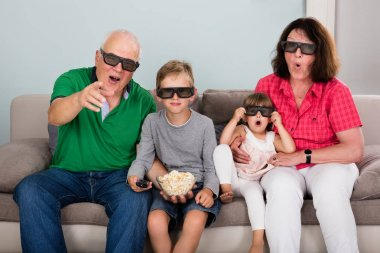 Grandparents Entertaining Watching 3D
