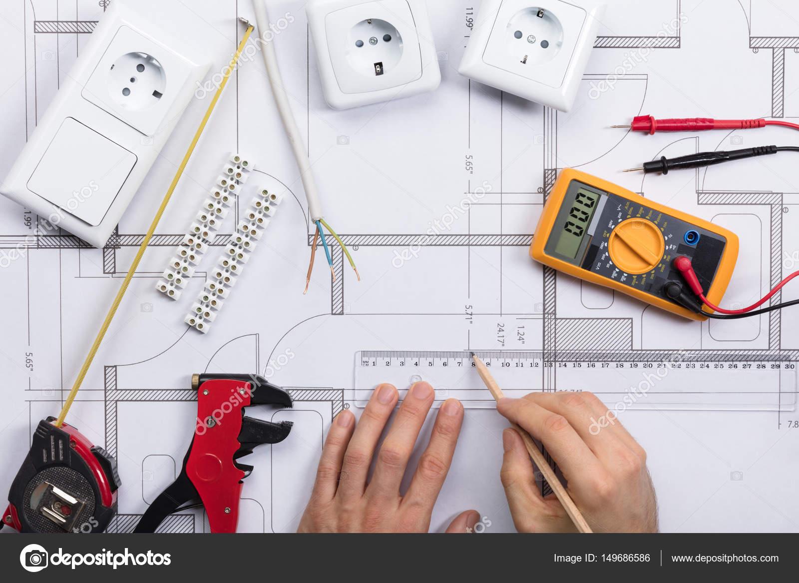 Plan der Architekten-Zeichnung auf Blaupause — Stockfoto ...