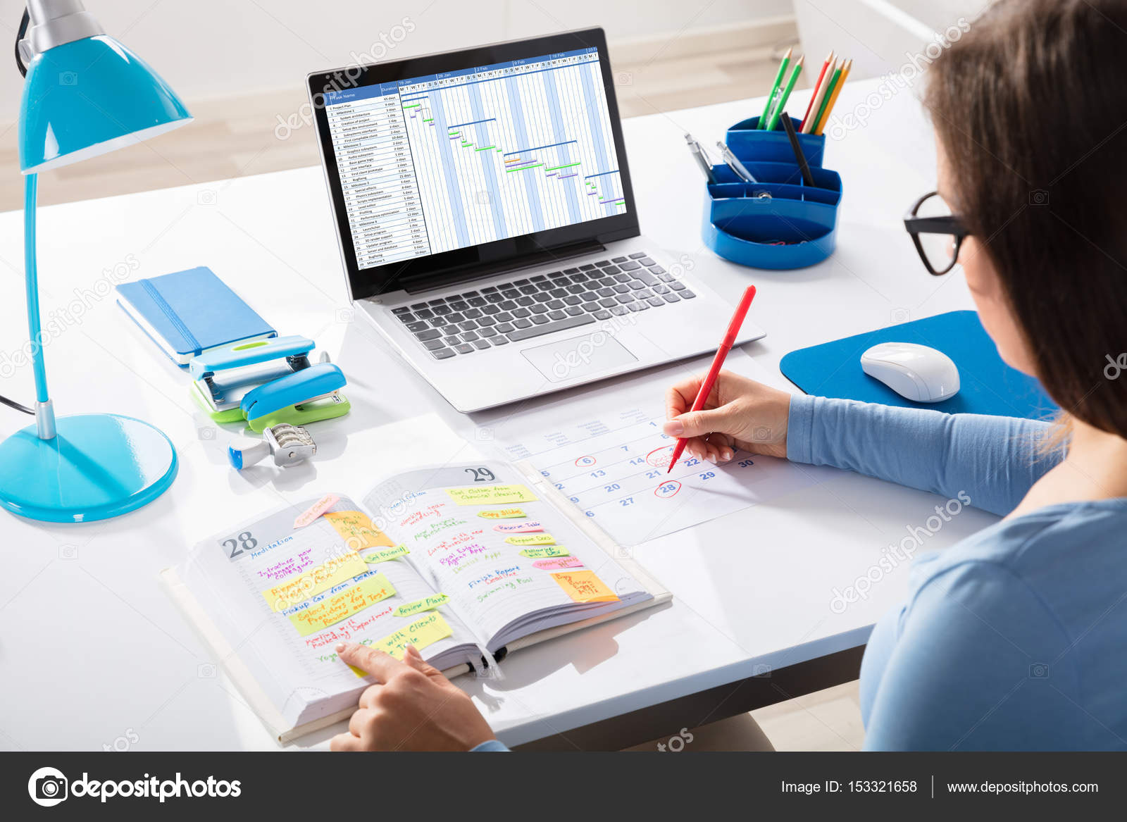 Programa de marcado de empresaria — Foto de stock © AndreyPopov ...