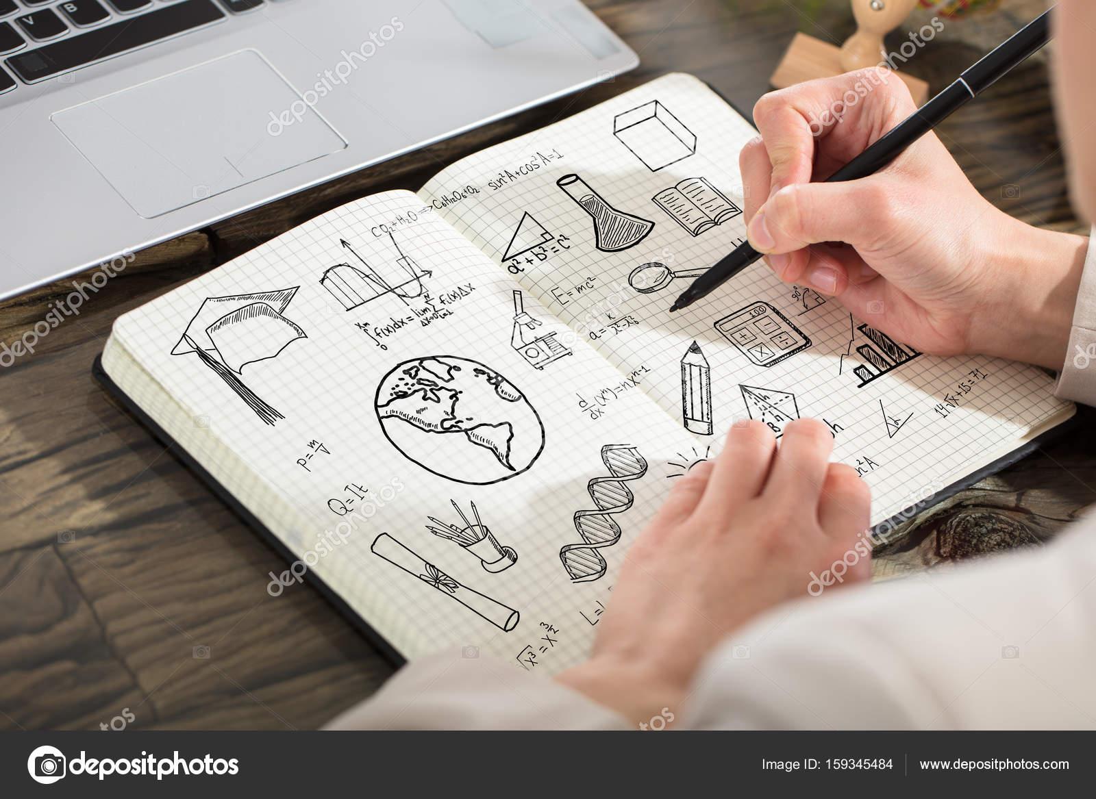 Person Zeichnung pädagogische Elemente In Notebook — Stockfoto ...