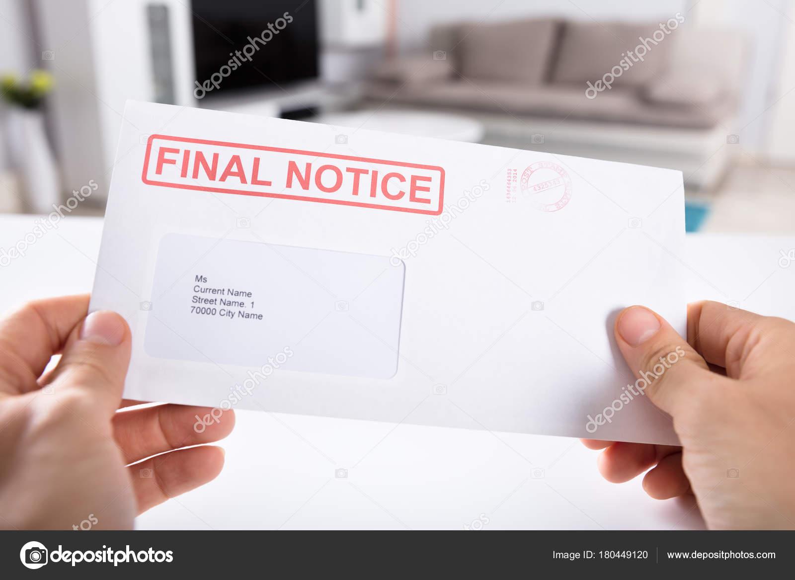 Nahaufnahme Der Person Die Hand Die Letzte Mahnung Umschlag