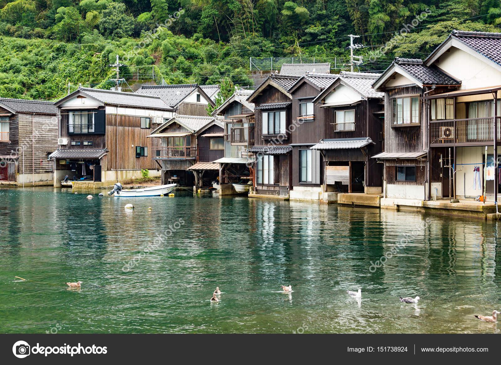 Traditionelle Japanische Häuser traditionelle japanische wasser häuser ine cho stockfoto