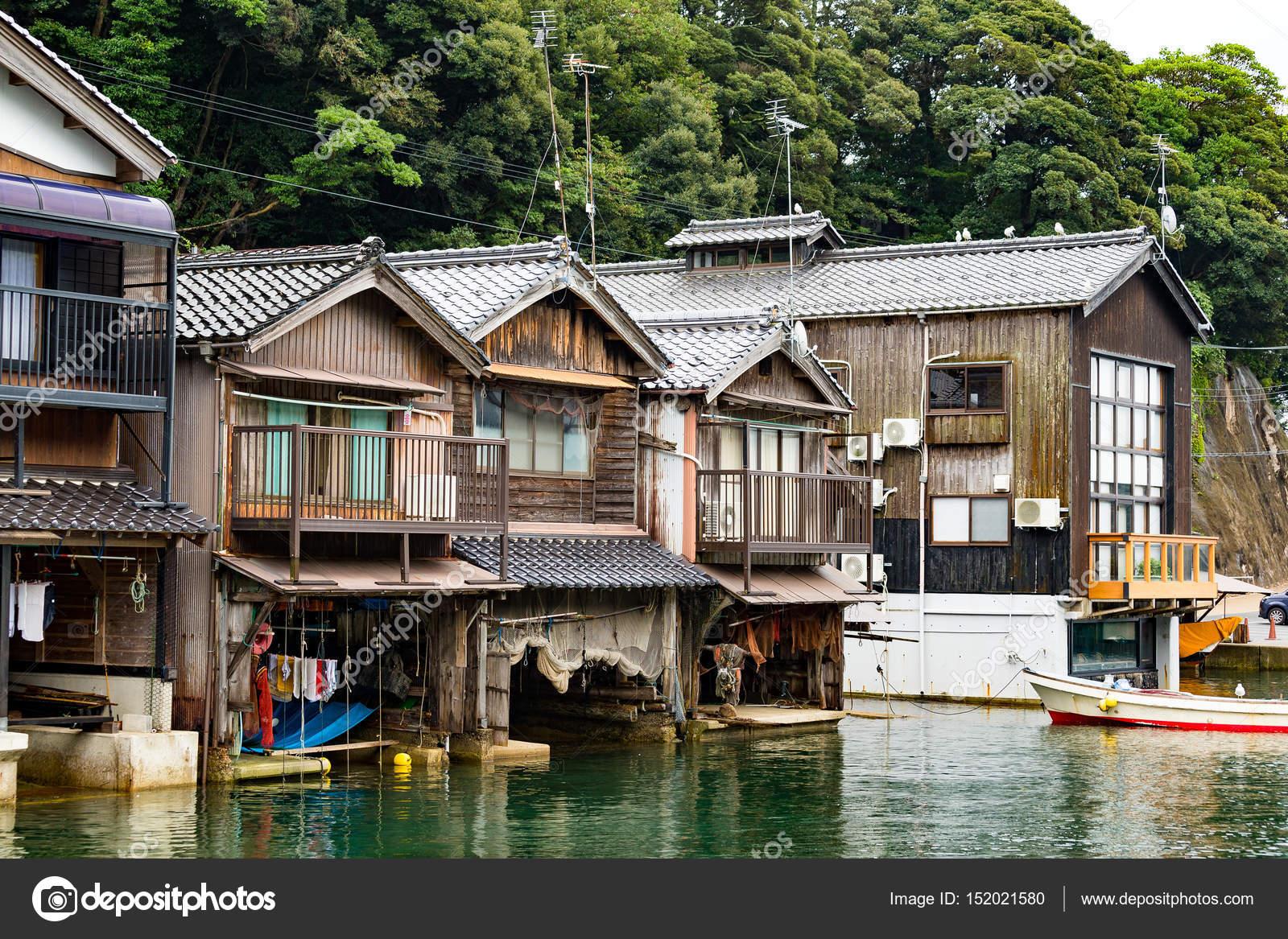 Japanische Wasser Häuser von Ine Cho — Stockfoto © leungchopan ...