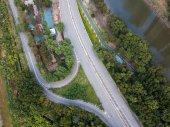 Pohled shora dopravní cesty