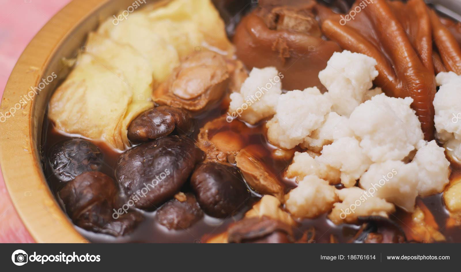 Chinesisches Neujahr Poon Choi Hause Essen — Stockfoto © leungchopan ...