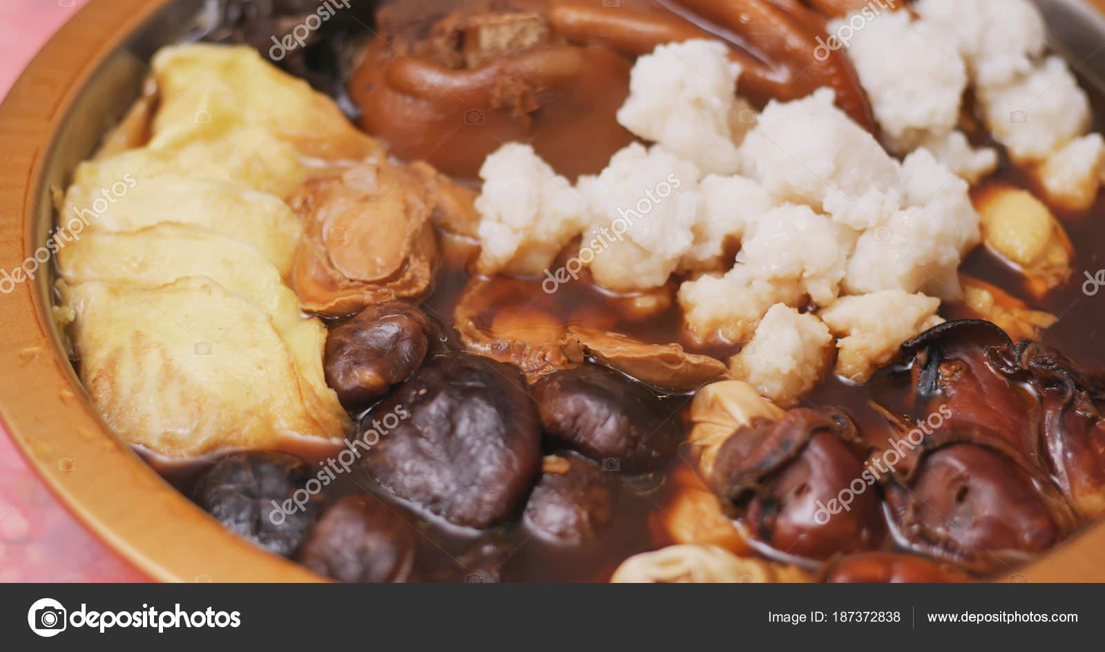 Hong Kong Keuken : Hong kong keuken poon choi voor nieuwe maanjaar u stockfoto