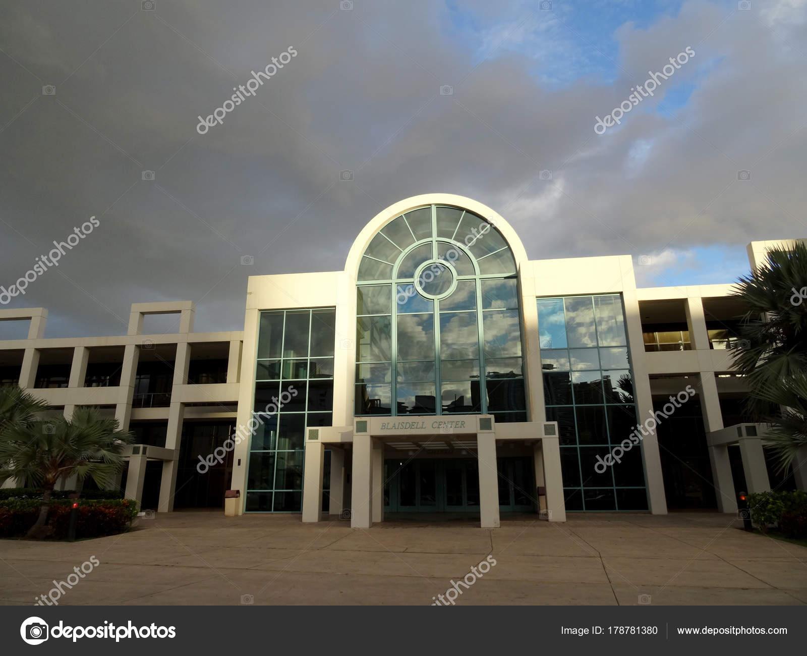 Contea Di Honolulu Hawaii neal s. blaisdell center — foto editoriale stock © ericbvd