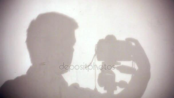 Fotograf steuert Dslr-Kamera