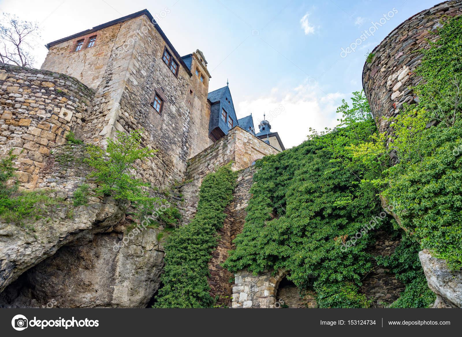 c51945d6 Ściana zamku Ranis z budynków — Zdjęcie stockowe © mnfotografie ...