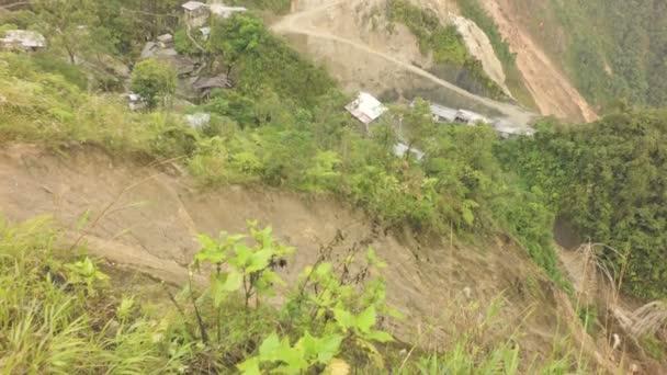 Těžba zlata v jižním Ekvádoru s velkou plochou ovlivnění Goldrush