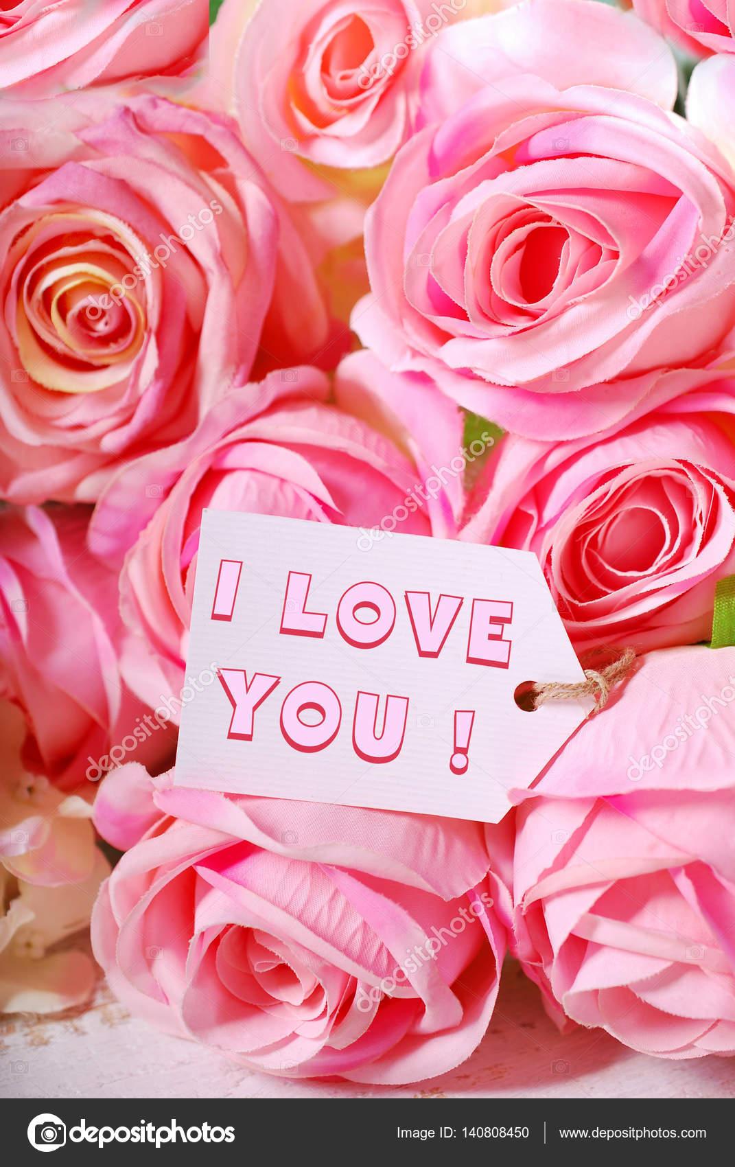 Roses Roses Et étiquette En Papier Avec Texte Damour